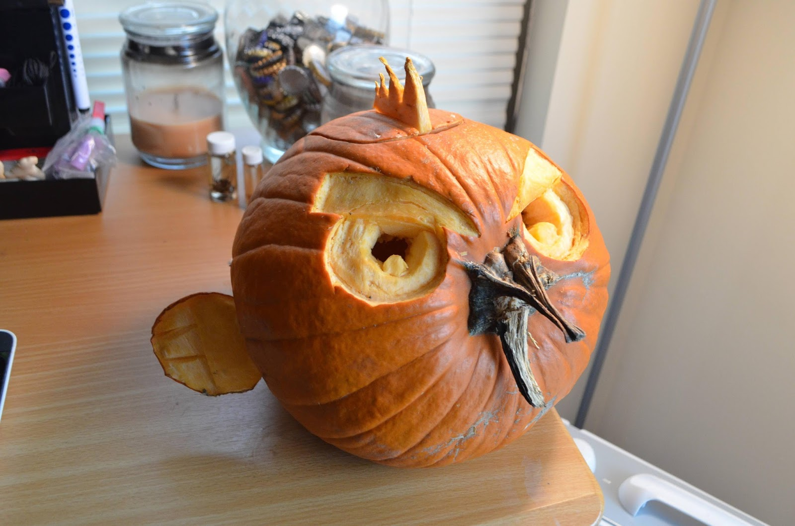 Pumpkin Carving Ideas for Halloween 2017: Still More Awesome ...