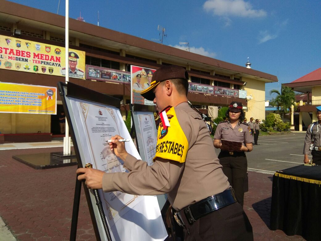 Kapolrestabes Medan Teken Pakta Integritas Wilayah Bebas dari Korupsi