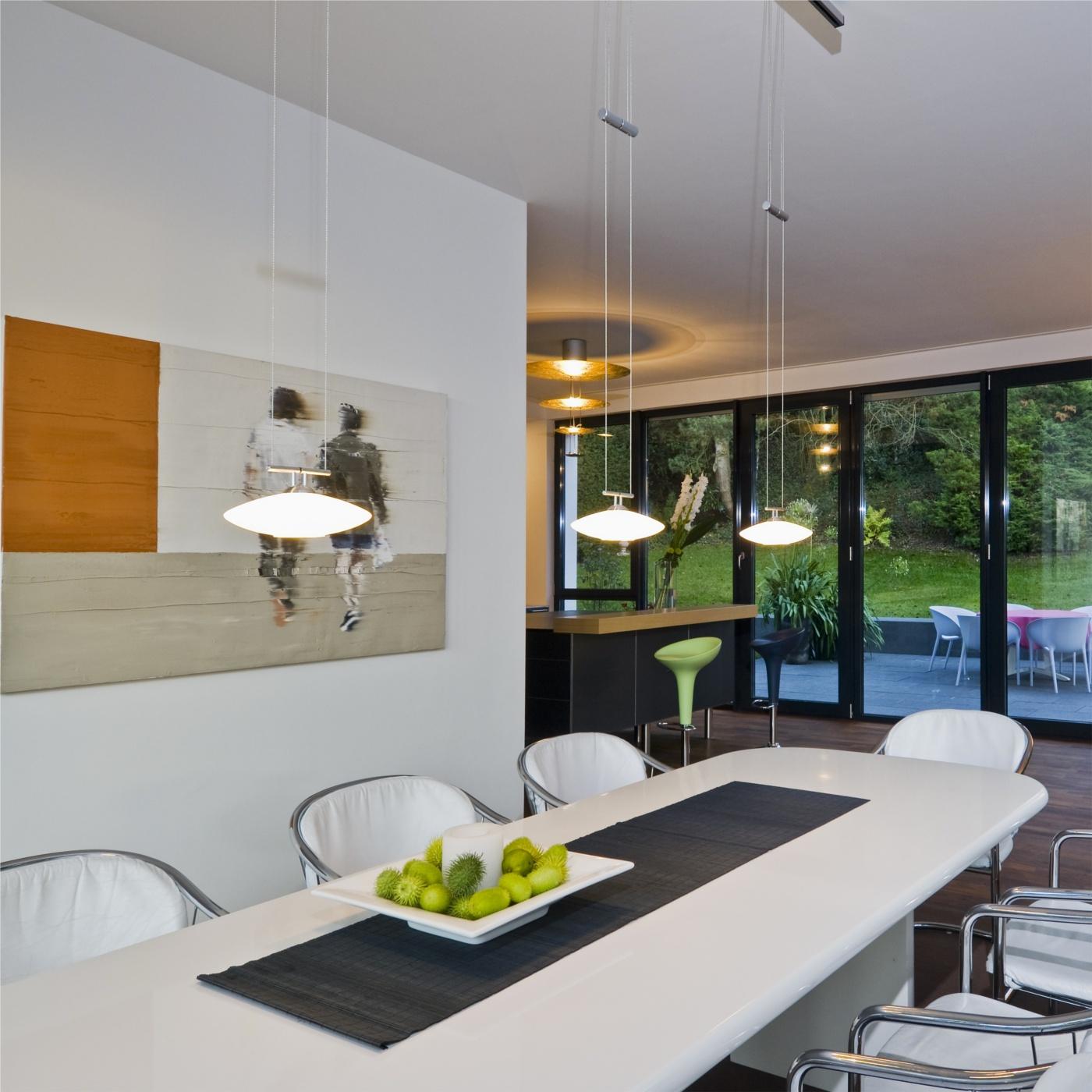essbereich schienensystem licht raum und m beldesign inspiration. Black Bedroom Furniture Sets. Home Design Ideas
