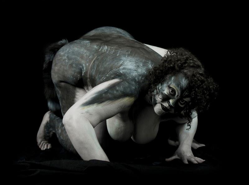 body paint sur une ronde de féline