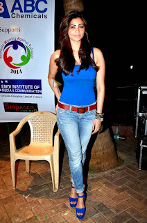 Daisy Shah at anti tobacco concert (8).jpg