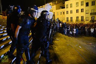 ΕΚΡΗΚΤΙΚΕΣ ΚΑΤΑΣΤΑΣΕΙΣ ΛΟΓΩ ΕΞΑΘΛΙΩΣΗΣ. Εισβολή απόστρατων αξιωματικών και υπαξιωματικών στην Βουλή της Πορτογαλίας!