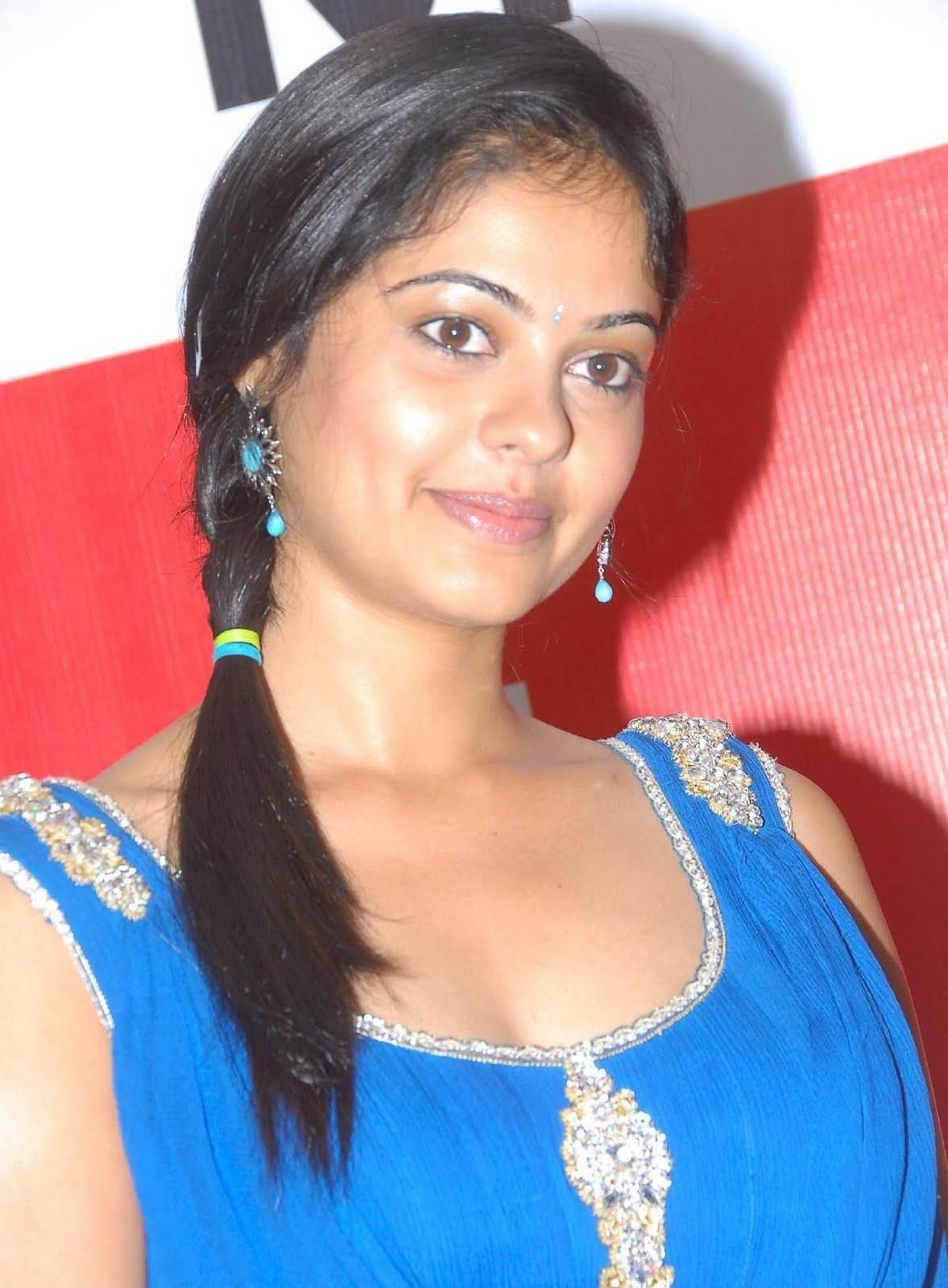 http://2.bp.blogspot.com/-fd4G9_ltYnw/TmYh-aK4sqI/AAAAAAAAFFs/gBPNZcjiIaQ/s1600/Actress-Bindu-Madhavi-Blue-Dress-Paos_actresspaoszone.blogspot.com_5.jpg
