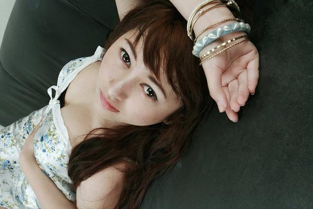 Foto Seksi Model Cantik Sherly Zahara Oktaviani