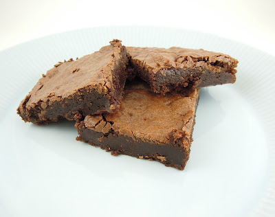 Super easy, super delicious brownies