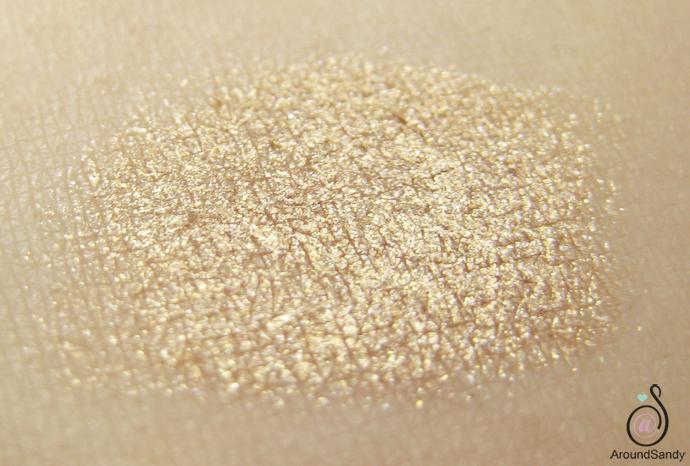 swatches golden beige 07 long lasting stick eyeshadow kiko cosmetics