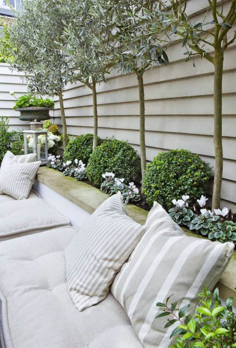 15 stunning garden designs and ideas for small gardens for Small backyard ideas