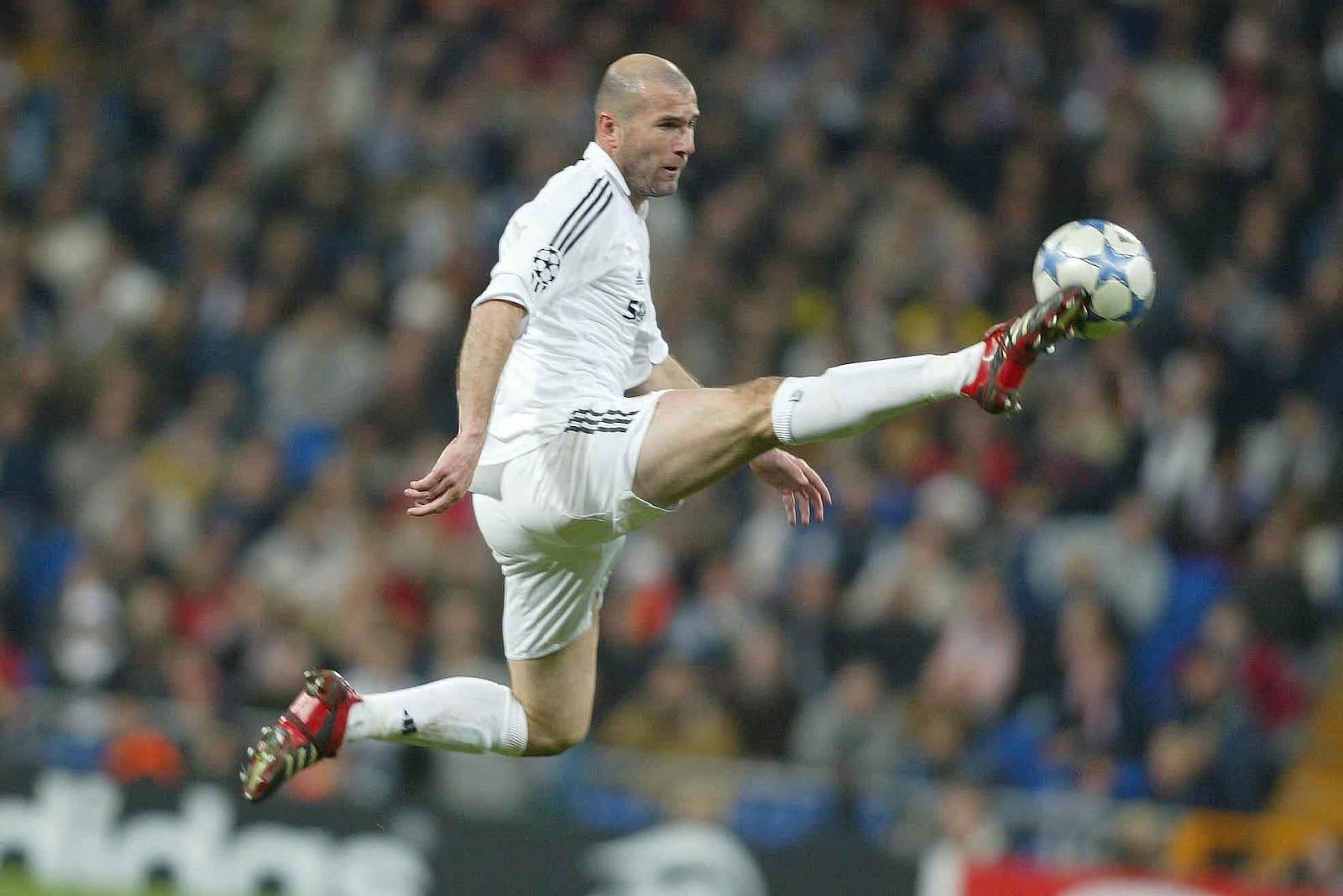 Resultado de imagem para zidane jogando
