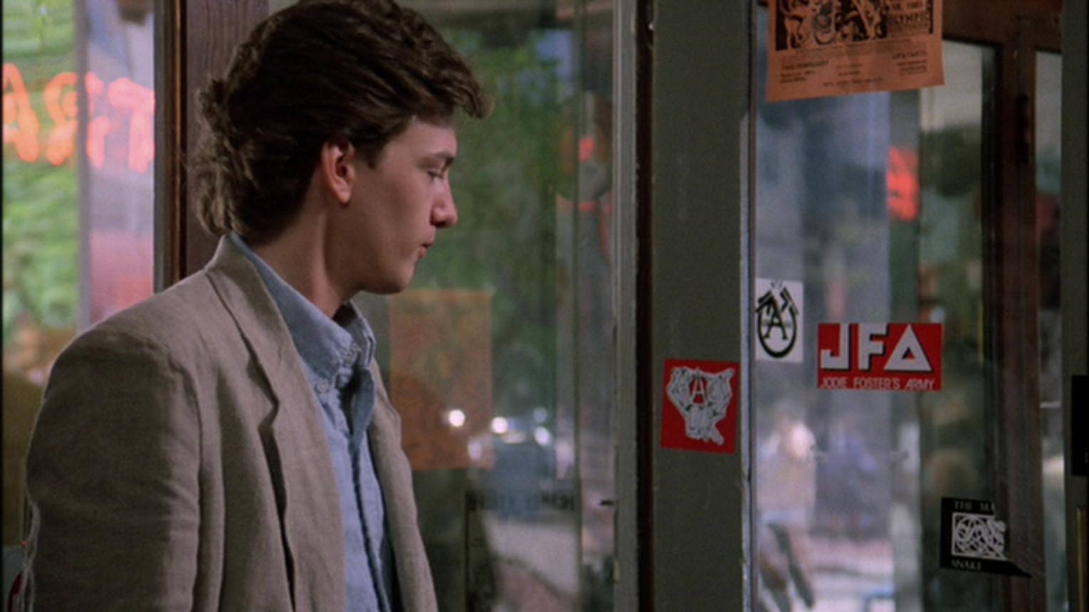 a review of the 1986 movie sixteen candles No 1 magazine 1983-1986  sixteen candles (1984) ‹ return to movie review archive s  sixteen candles (1984) sixteen candles (1984) leave a reply cancel reply.