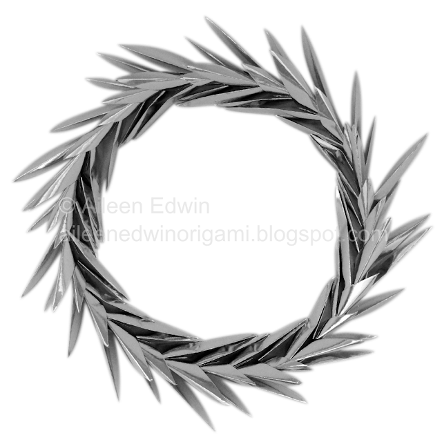 Modular Origami Wreath (designed by Aileen Edwin)