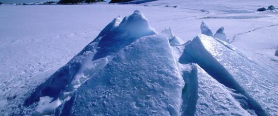 Μία τεράστια «ανωμαλία» κρύβεται κάτω από τον πάγο της Ανταρκτικής, σύμφωνα με τους επιστήμονες