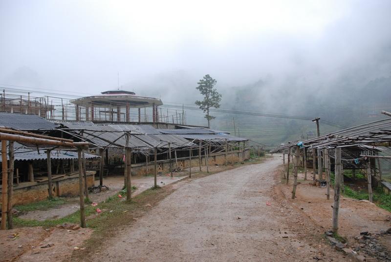 Chợ phiên Cắn Cấu ở Sapa - Ngày họp chợ: Thứ 7 hàng tuần