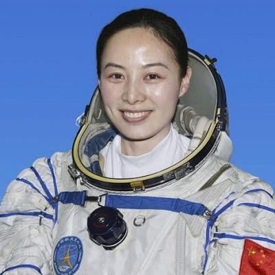 Angkasawan Wanita Kedua Negara China Ke Angkasa Lepas