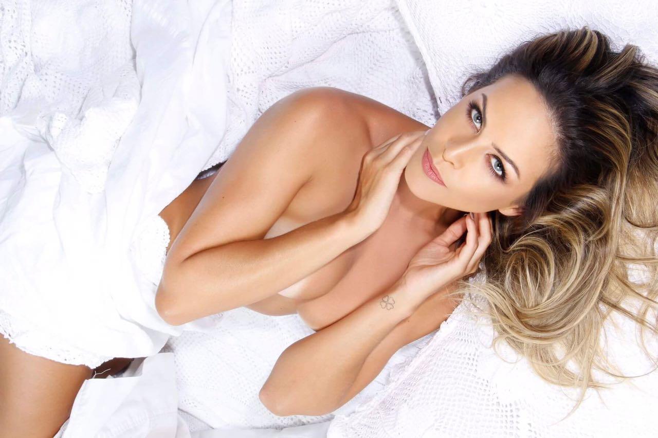 Apresentadora Sandra Garcia Posa sensual pra Campanha e mostra corpão