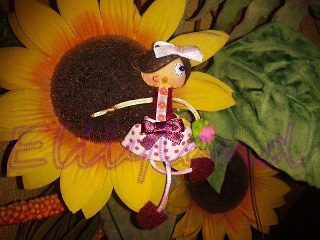 Mini-Elily Muñeca Broche Fieltro Primavera