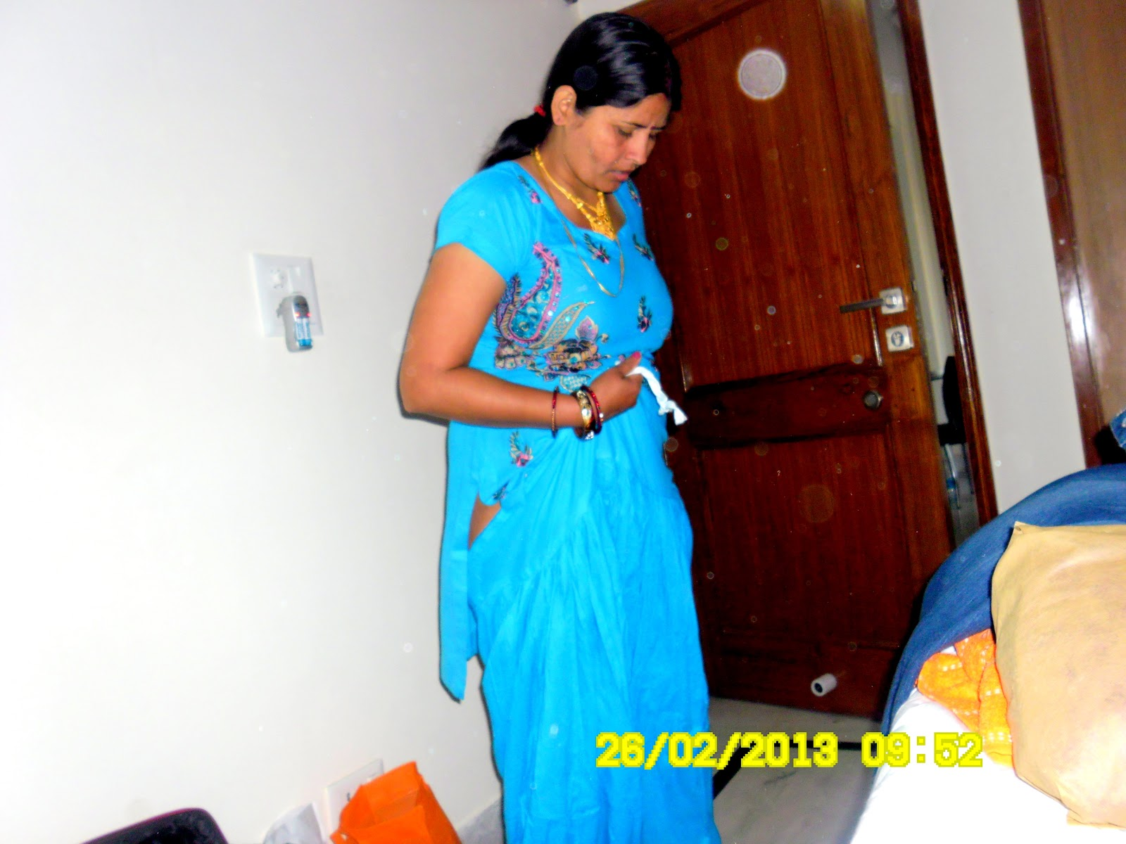 desi dress change photo - photo #10