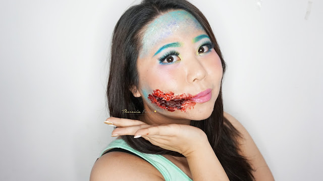 How to look like a Mermaid with torn bloody lips for halloween. Special Effect makeup with some face painting for you who loves the scary, gory and bloody makeup for Halloween. Come and Join my Makeup and Hairdo Course to learn the technique with Theresia Feegy in Jakarta. Available for Personal Makeup Course, Advance Intense Pro Makeup Course, One Day Wedding Makeup Course and Basic Hairdo Course. For pricing and inquiries, kindly email to muses.wonderland@yahoo.com