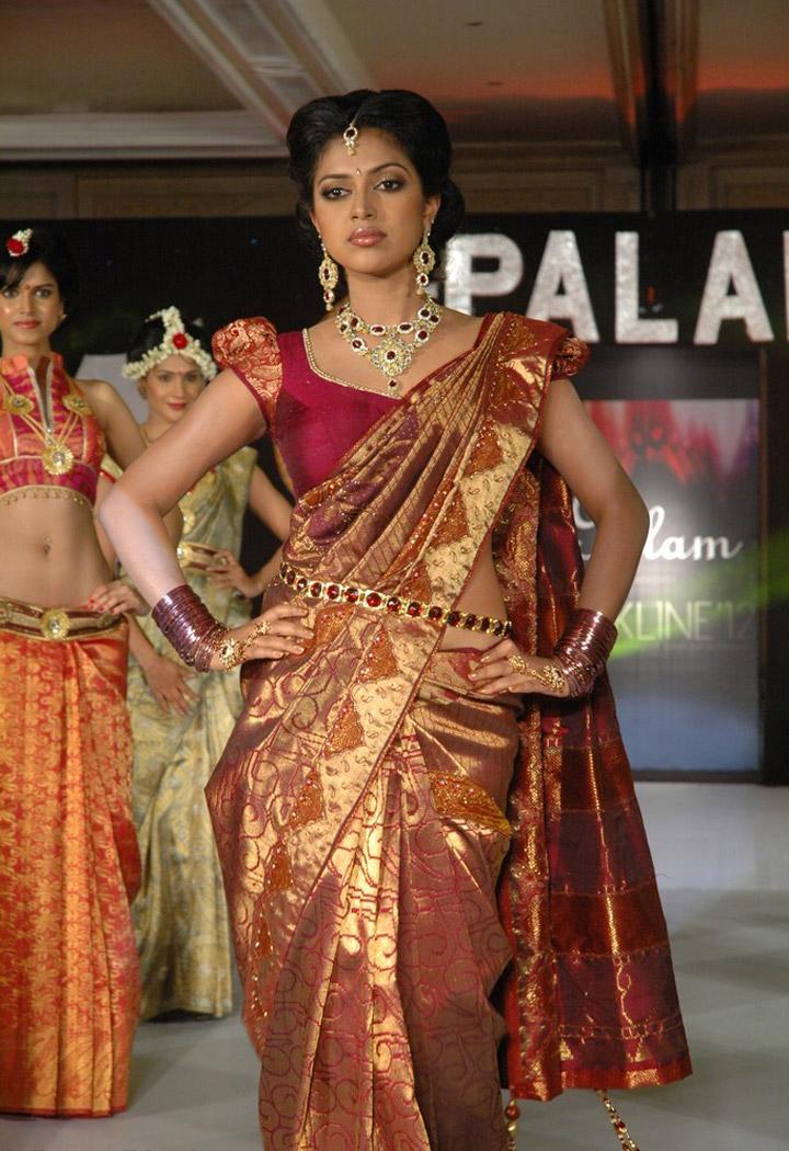 Amala Paul Amal Paul Latest Saree Palam Silkline Fashion Show