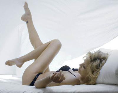 http://2.bp.blogspot.com/-feiIrokBVcA/T5GNmk7h6nI/AAAAAAAACLI/8X1YaIzwevI/s1600/Charlize+Theron+Hot-7.jpg