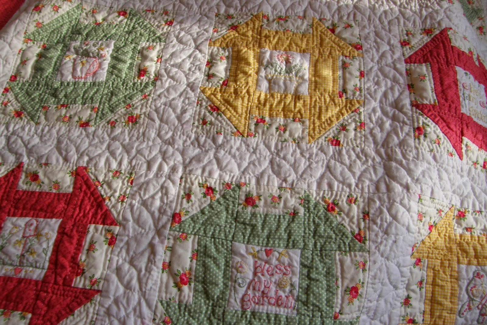 Prairie's Edge Farm: April 2015 : hand quilting without a hoop - Adamdwight.com