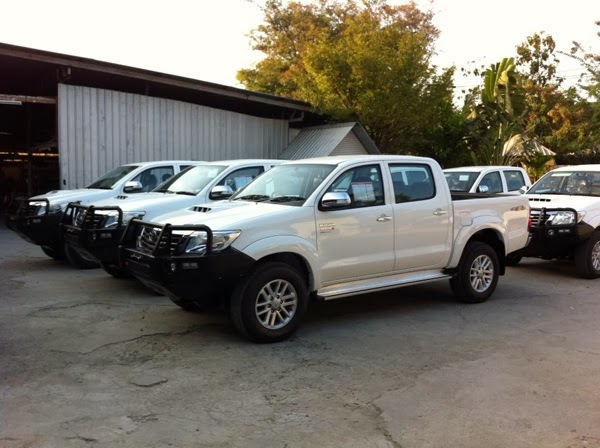 Ford Ranger 2.2l Base 4x2 Mt >> Đánh giá lựa chọn xe bán tải Hilux Ranger Triton BT50 - Nắp thùng xe bán tải Hilux, Navara Np300 ...