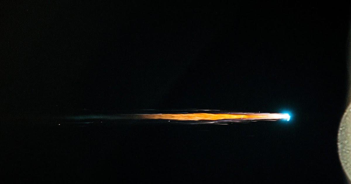L'eccezionale sequenza di foto della distruzione di ATV-4 durante il rientro in atmosfera, riprese dalla Stazione Spaziale Internazionale