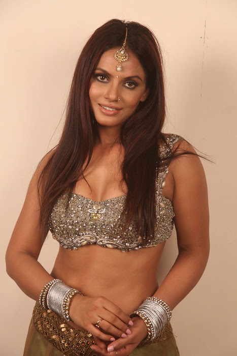 neetu chandra for spicy for settai movie hot photoshoot