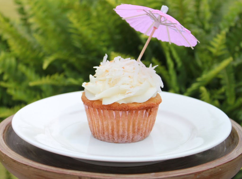 ... Cupcakes with Coconut Buttercream Frosting - Mirabelle Creations