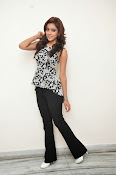 Vithika sheru latest glam pics-thumbnail-12