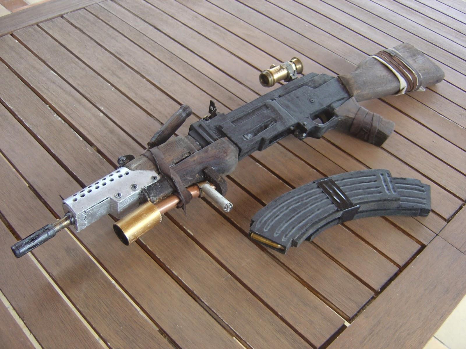 armes lara croft