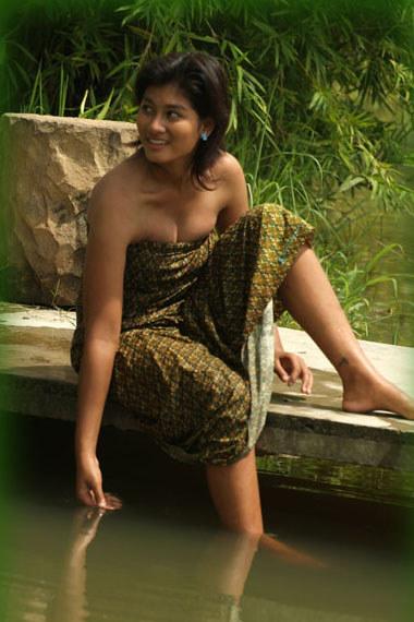 TERAS BLOG: Sang gadis pun mandi di sungai