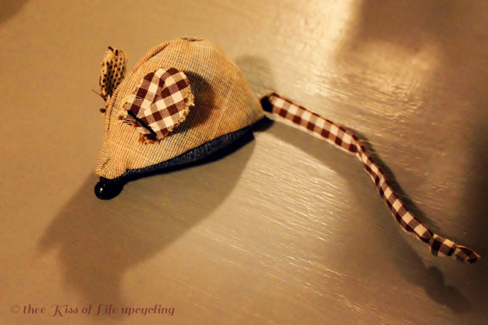 Cat Mouse Toy With Plaid Ears And Tail