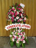 bunga standing elegant happy wedding
