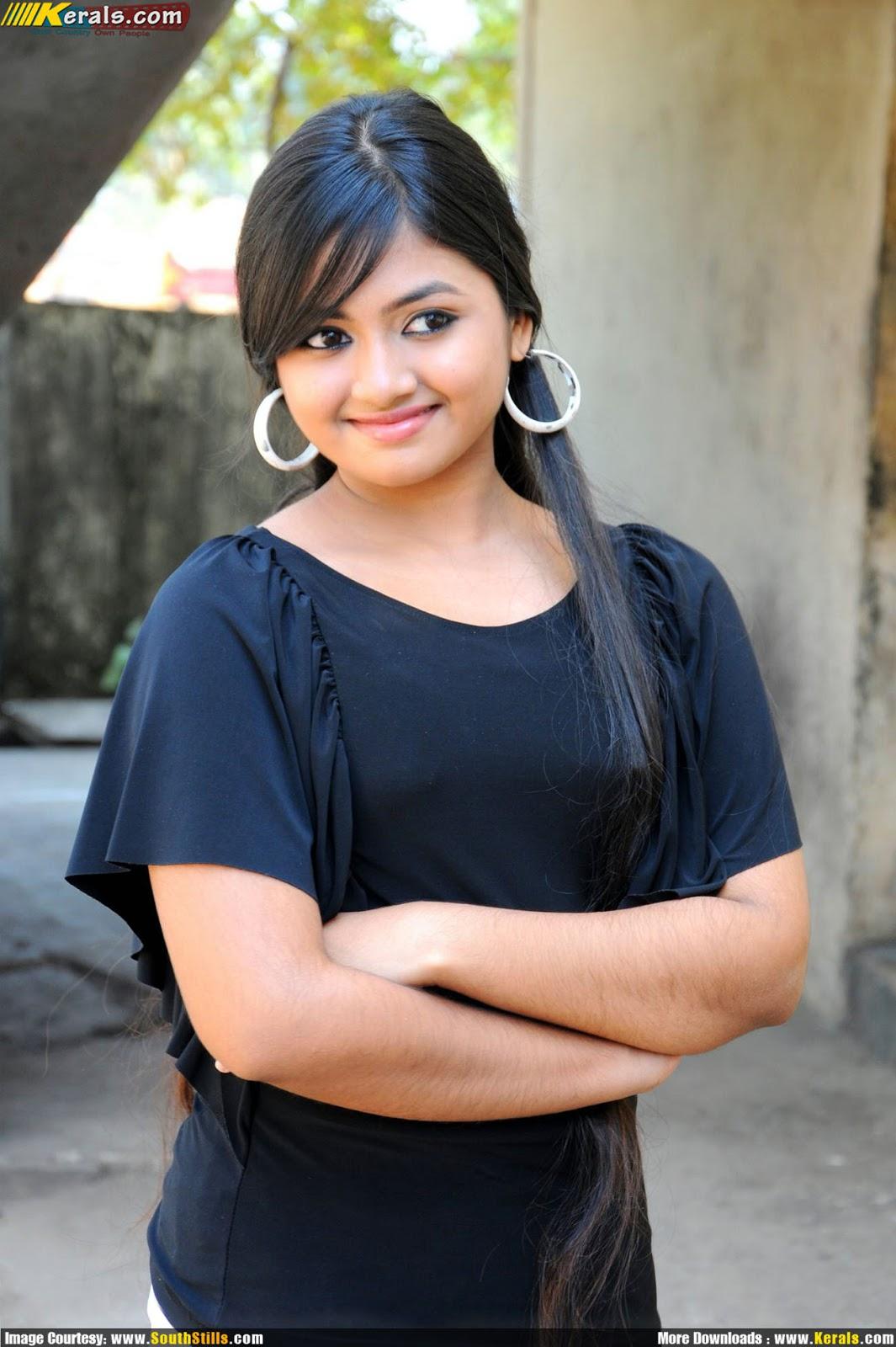 Serial Actress Shalin Cute Images