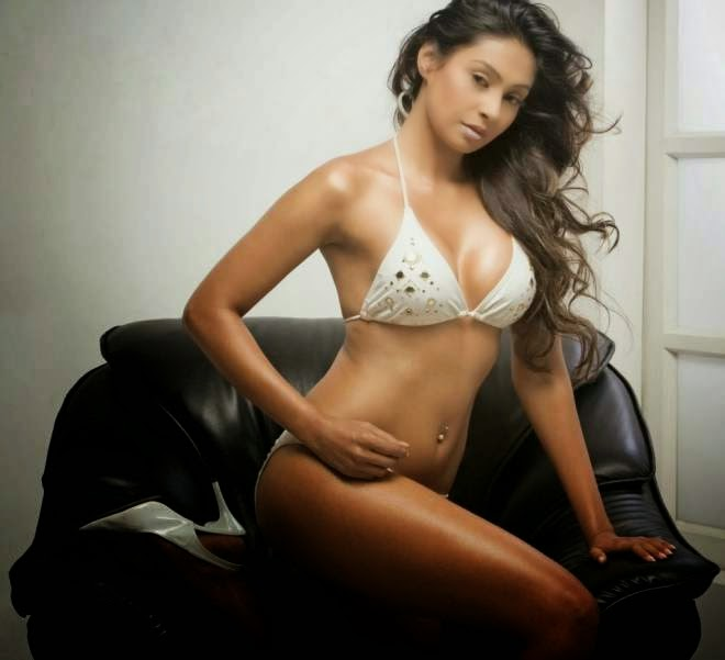 Simran Khan Hot Photoshoot
