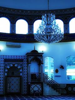 Lustre e decoração da mesquita de Foz do Iguaçu