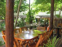 Garden Bar Restaurant ครัวริมน้ำบ้านไร่จอมทอง
