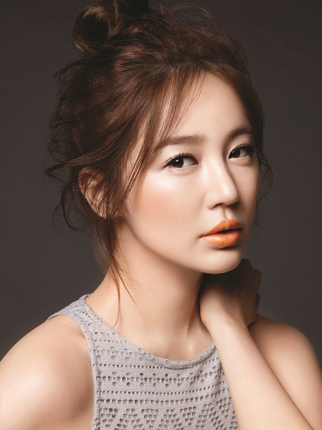 Yoon Eun Hye for MAC and Joo Ji Hoon for Marie Claire