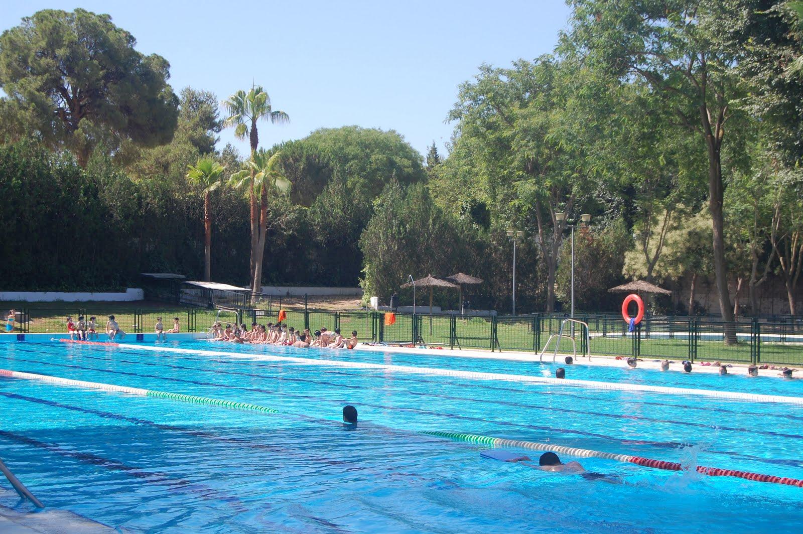 Alcalamegusta piscina de verano de san juan de alcal de - Comisaria alcala de guadaira ...