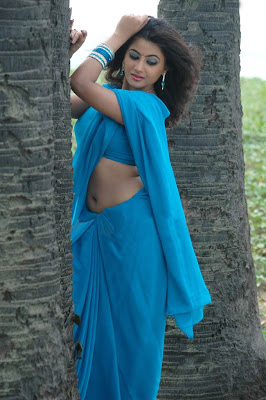 arthi puri in saree hot images