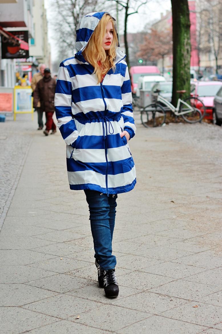 Adidas Nylon Parka Power Blue/Runnwhite, adidas rain coat, regenmantel blau-weiß gestreift adidas