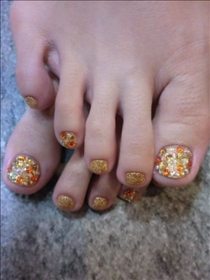 New-Season-Pedicure-Nail-Art-Ideas-1