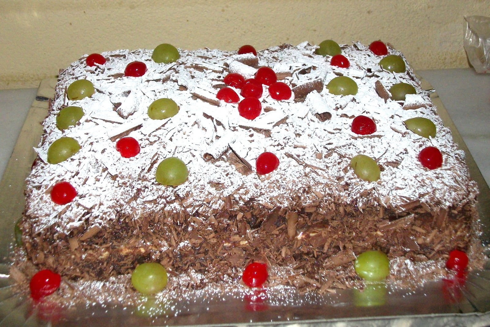 Bolo De Chocolate   Recheio De Mousse De Maracuja