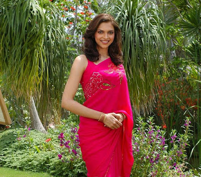 Deepika Padukone photos in saree