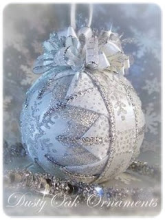 handmade silver and white snowflake quilted ornament
