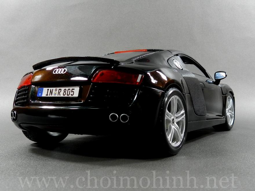 Audi R8 1:18 Maisto back