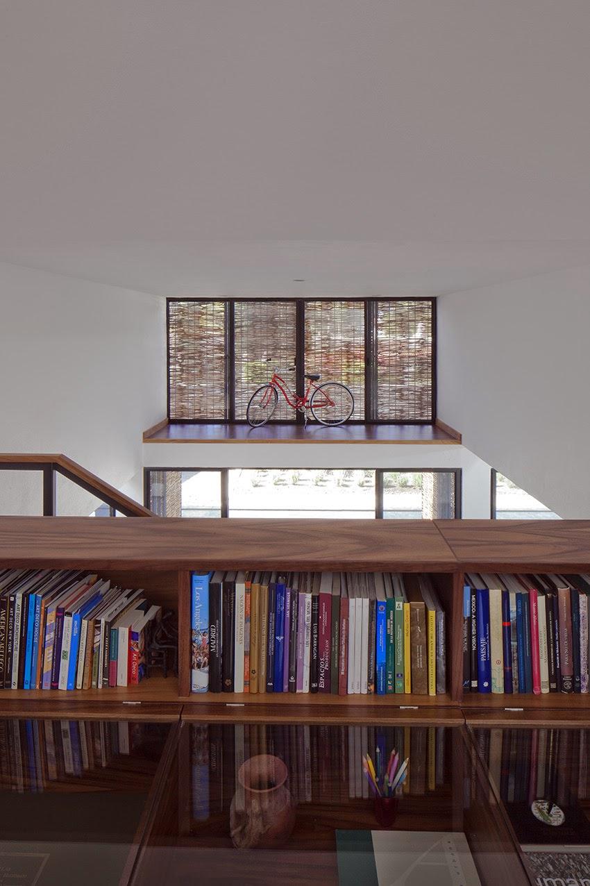 Rumah dengan Perpaduan Lokalitas dan Modernitas 10