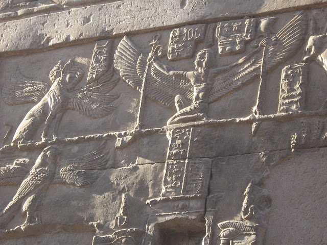 Beautiful-Egyptian-Wall-Carvings-Nile-Cruise-Egypt-2007-Sealiberty-Cruising