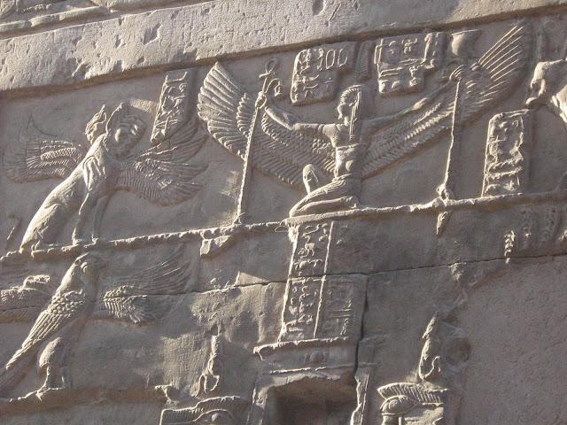 Beautiful-Egyptian-Wall-Carvings-Nile-Cruise-Egypt-2007-Sealiberty-Cruising