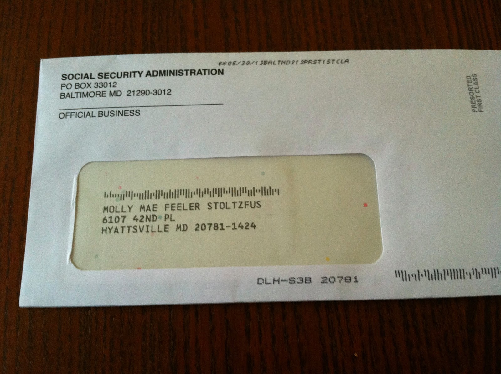 What does a social security card look like